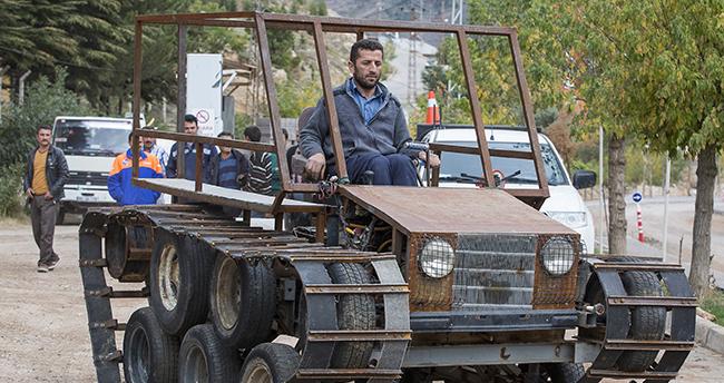 Konya'da Bir İşçi Tank görünümlü paletli araç yaptı
