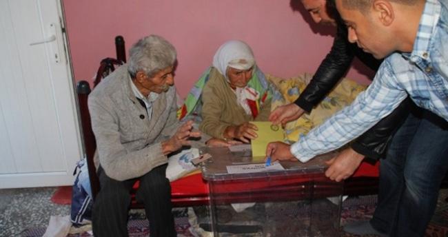 Bu Köyde İki Kişi Oy Kullandı