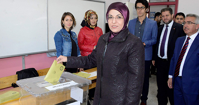 Meram Belediye Başkanı Fatma Toru Oyunu Kullandı