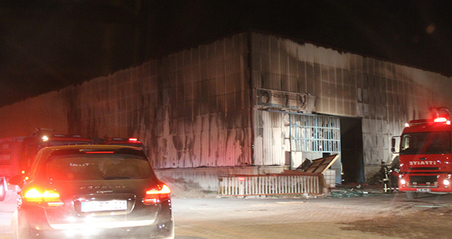 Konya'da korkutan fabrika yangını