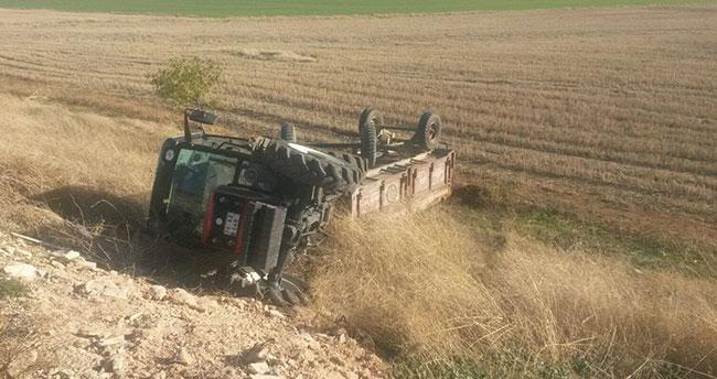 Karaman'da traktör devrildi: 1 yaralı