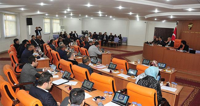 Konuk, belediye meclisi toplantısına katıldı