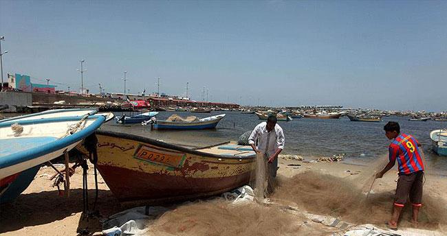 Gazzeli balıkçı Mısır askerlerinin açtığı ateşte yaşamını yitirdi