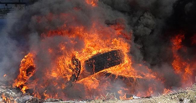 Yakılan Lastikleri İtfaiye Söndürdü