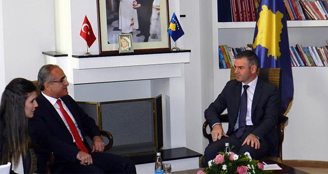 Bakan Topçu, Kosova Başkanı Mustafa İle Görüştü