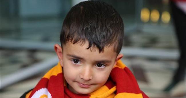 Küçük Ömer'e Galatasaray'dan Beklenen Davet Geldi