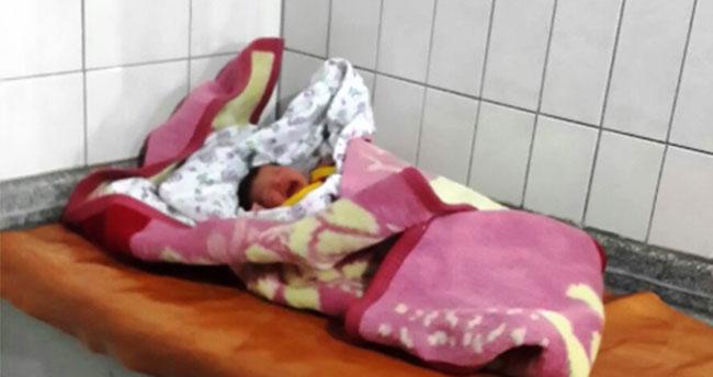 Konya'da iki günlük bebeği terk ettiler