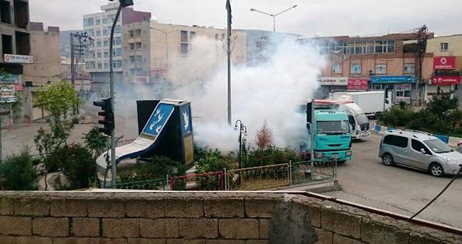 Cizre'de karakola saldırı, 2 polis yaralı, kaymakam son anda kurtuldu