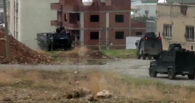 Cizre'de ortalık karıştı! Öğrenciler çatışmalar nedeniyle bodrumda mahsur kaldı