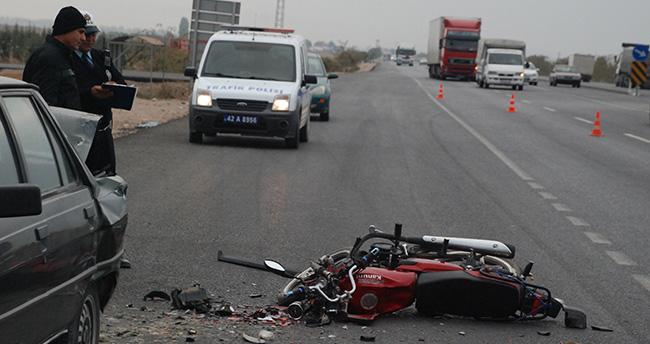Konya'da motosiklet park halindeki araca çarptı : 1 yaralı