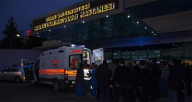 Diyarbakır'da askeri aracın geçişi sırasında patlama: 21 asker yaralı