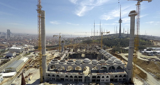 Cumhuriyet Tarihinin En Büyük Camisinde Çalışmalar Sürüyor