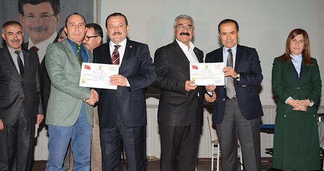 Aksaray Ak Parti'de Seçim Değerlendirmesi ve Ödür Töreni Düzenlendi