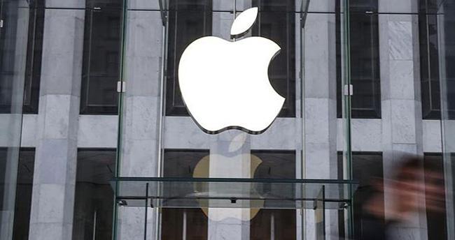 Apple mağazadan atılan siyahi öğrencilerden özür diledi
