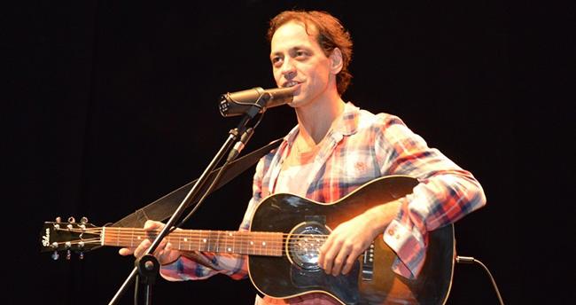 Duman'ın Solisti Kaan Tangöze'den Muhteşem Konser