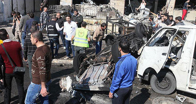 Lübnan'ın başkenti Beyrut'ta iki patlama meydana geldi