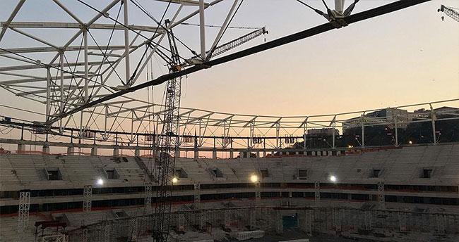 Vodafone Arena'da çatı kaldırma işlemi tamamlandı