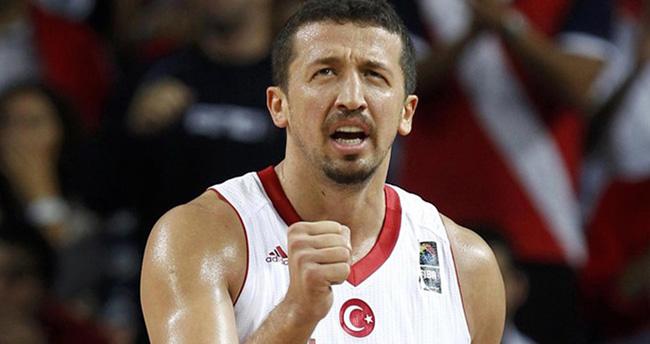 Hidayet Türkoğlu Basketbola Veda Etti