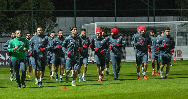 A Milli Futbol Takımı Yunanistan maçı hazırlıklarına başladı