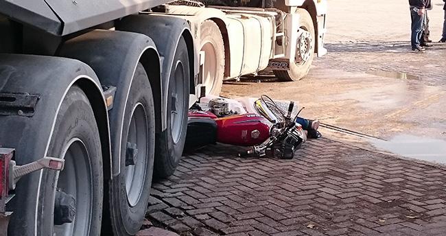 Konya'da tırın çarptığı motosiklet sürücüsü öldü