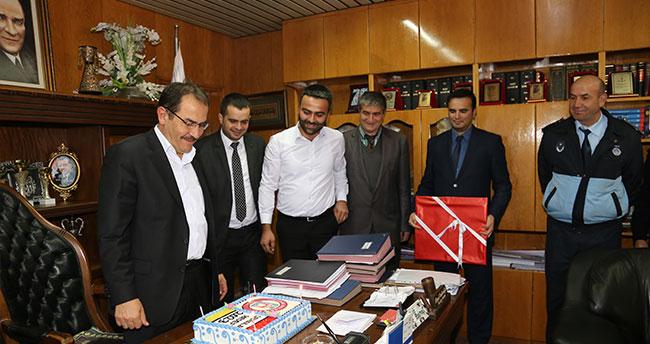 Başkan Hadimioğlu'na sürpriz doğum günü