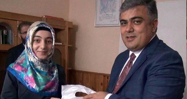 Başkan Özgüven'den Türkiye 2.'si Hafızı Ödüllendirdi