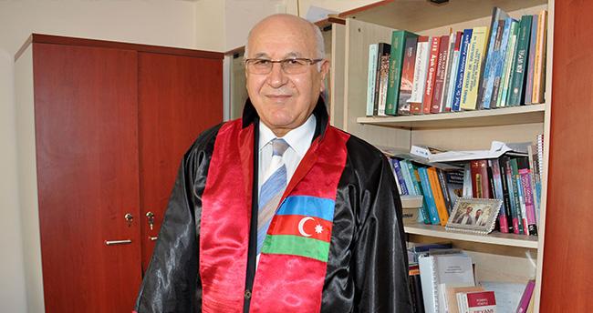 Prof. Dr. Ali Berat Alptekin'e Fahri Doktora Diploması Verildi