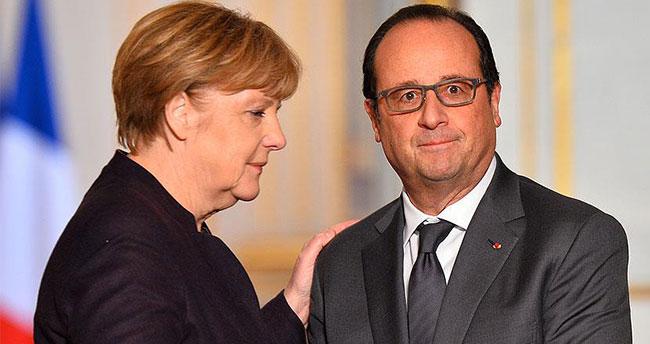 Hollande: 'Almanya DAEŞ'le mücadelede daha etkin rol oynamalı'