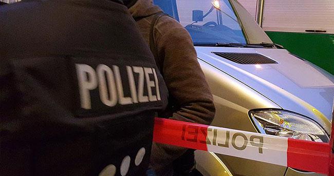 Almanya'da silah ticareti yapan bir kişiye gözaltı