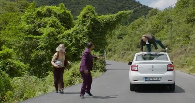 Düğün Dernek 2 Yumurtanın Sarısı Şarkısı – Düğün Dernek Sünnet Filmindeki Şarkı
