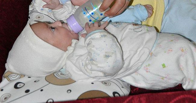 Çocukları yatırarak beslemek hastalıklara davetiye çıkarıyor