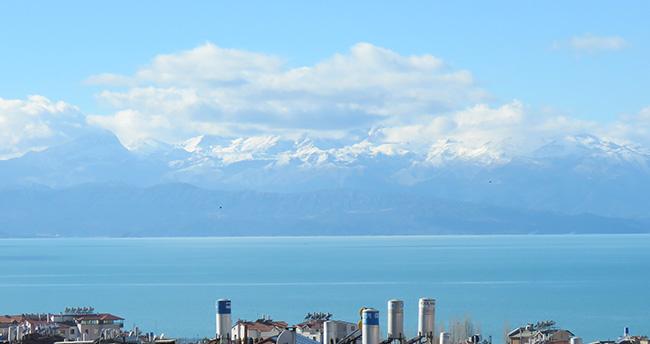 Beyşehir Anamas Dağı beyaz gelinliğini giydi