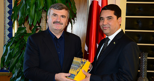 Türkmen Heyet, Başkan Akyürek'i Ziyaret Etti