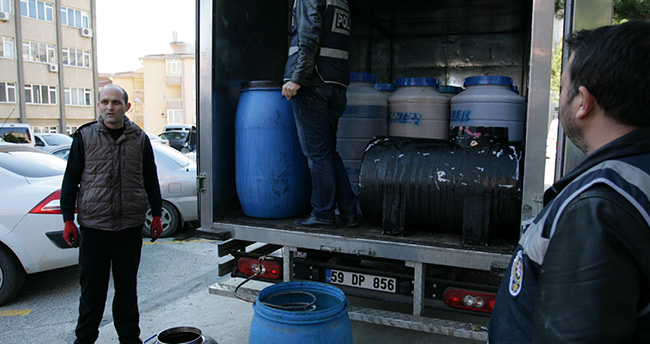 Tekirdağ'da 5 bin litre sahte içki ele geçirildi