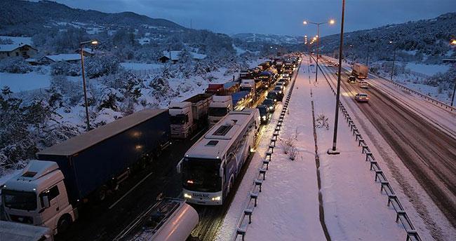 TEM otoyolu ve D-100 karayolu ulaşıma açıldı