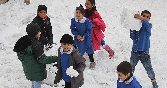 Rize'de eğitime kar engeli