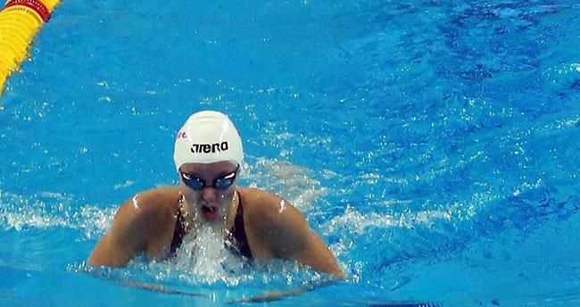 Milli yüzücü Güneş'ten bronz madalya