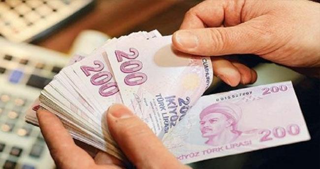 Emeklilere bir müjde daha: 300 lira…
