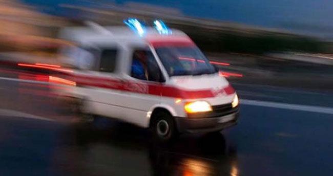 Sobanın yanına bırakılan fişek patladı: 3 yaralı