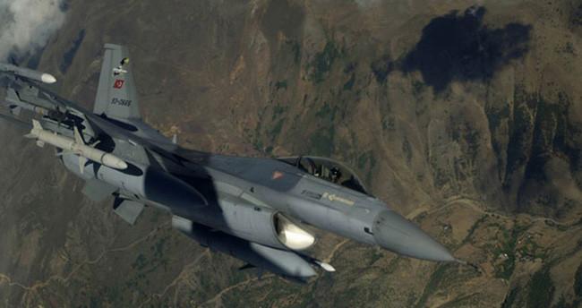 12 F-16 ile Suriye sınırında devriye uçuşu