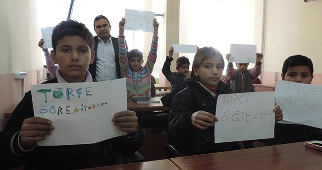 Cihanbeyli'de Suriyeli Çocuklara Türkçe Kursu