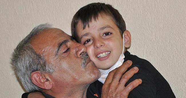 Lösemili küçük Mahmut'un en büyük destekçisi üvey babası