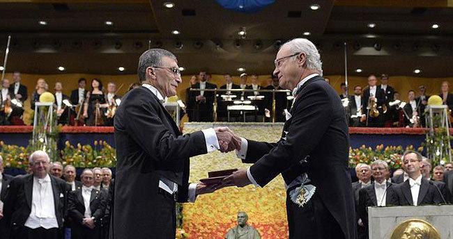 Nobel Kimya Ödülü kazanan Aziz Sancar ödülünü aldı