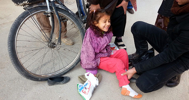Konya'da Ayağına Bisiklet Tekeri Sıkışan Suriyeli Kızın Feryadı