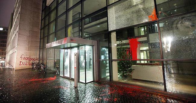 Facebook'un Hamburg'daki merkezine saldırı