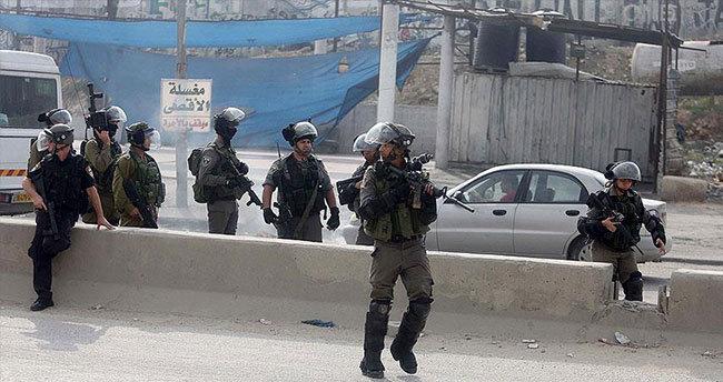 İsrail askerleri 9 Filistinliyi gözaltına aldı
