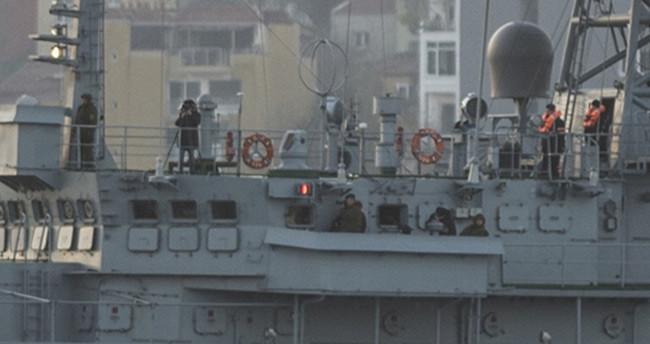 O Rus savaş gemisi İstanbul Boğazı'ndan yeniden geçti