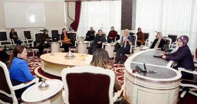 İzmirli Kadınlardan Başkan Toru'ya Destek