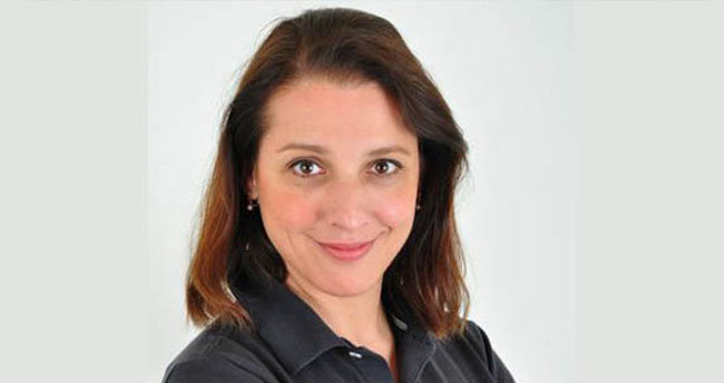 Münir Özkul'un kızından Zuhal Topal'a sert tepki
