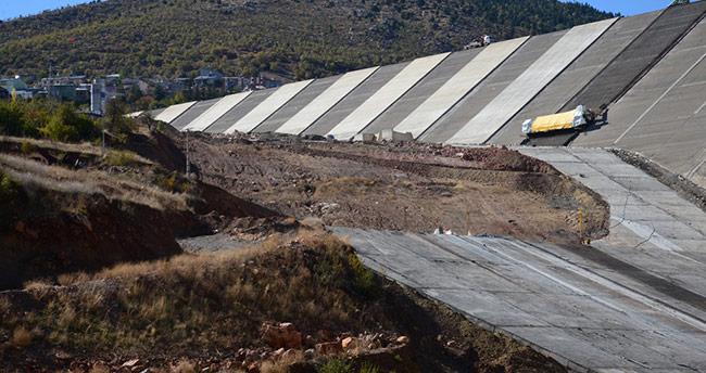 Afşar Hadimi Barajı'nın yüzde 65'i tamamlandı